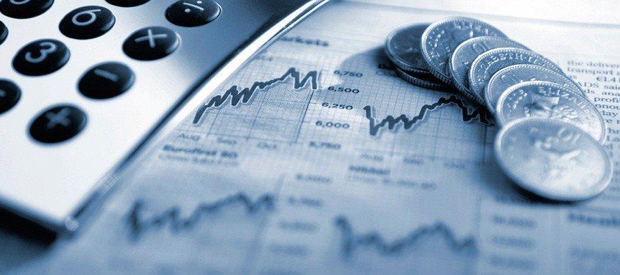 b94c8003a9 ... subito una distinzione tra la tipologia di servizi e transazioni che  avvengono e che si possono raggruppare in due mercati diversi: la Borsa  Valori ...